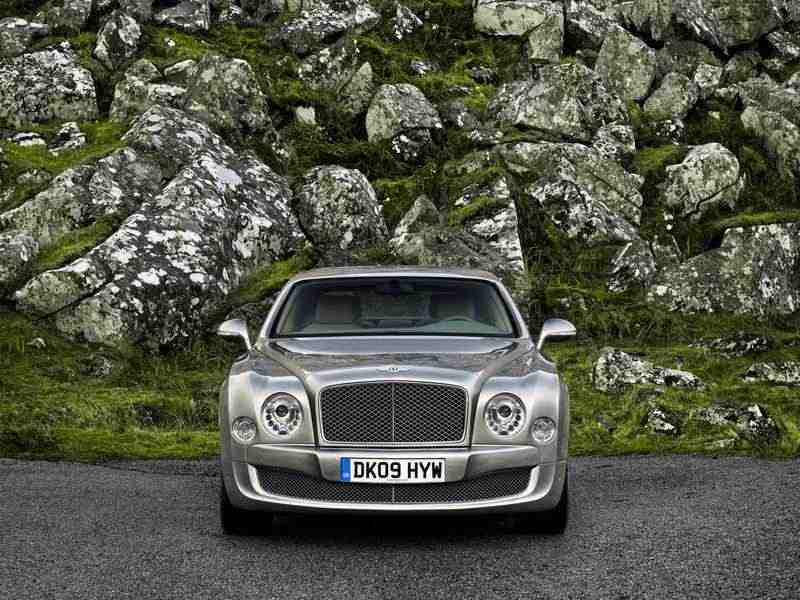 Bentley Mulsanne 2 поколение седан 6.75 AT Базовая 2010–н. в.