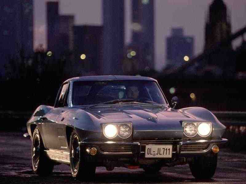 Chevrolet Corvette C2Sting Ray купе 2-дв. 5.4 4Syncro-Mesh 1963–1963