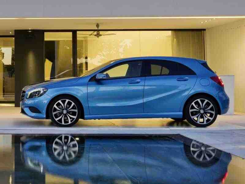 Mercedes-Benz A-Класс W176хетчбэк 5-дв. A 180 BlueEfficiency 7G-DCT 2012–н. в.