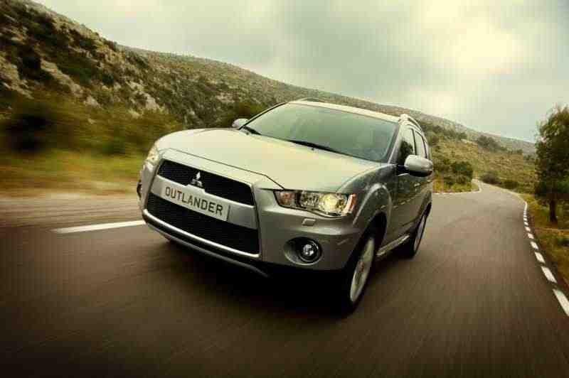 Mitsubishi Outlander XL [рестайлинг] кроссовер 3.0 AT 4WD Instyle S45 (2011) 2010–2012