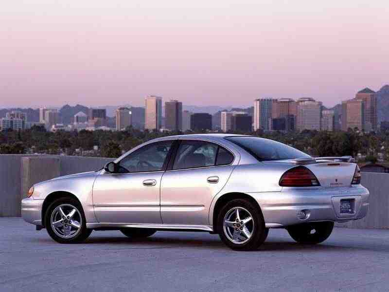 Pontiac Grand AM 5 поколение седан 2.4 MT 1999–2002