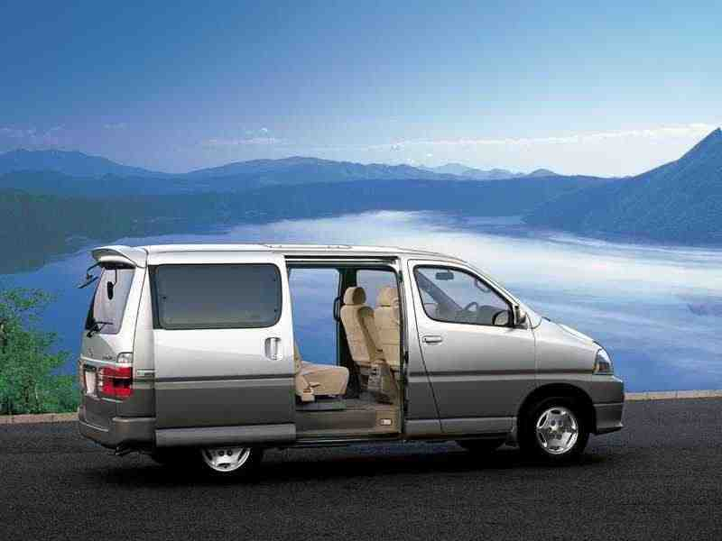 Toyota Hiace H100Grand микроавтобус 4-дв. 3.0 AT 4WD 8seat 1999–2002
