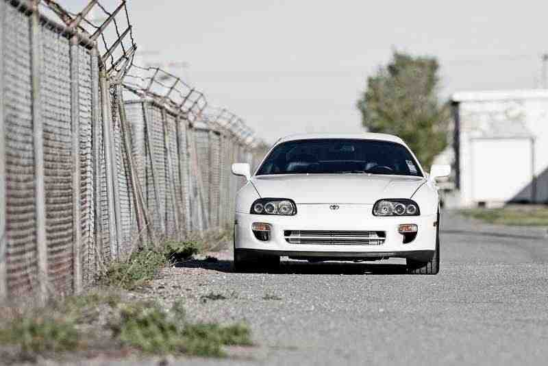 Toyota Supra Mark IV [рестайлинг] купе 3.0 Twin-Turbo AT Overdrive 1996–2002