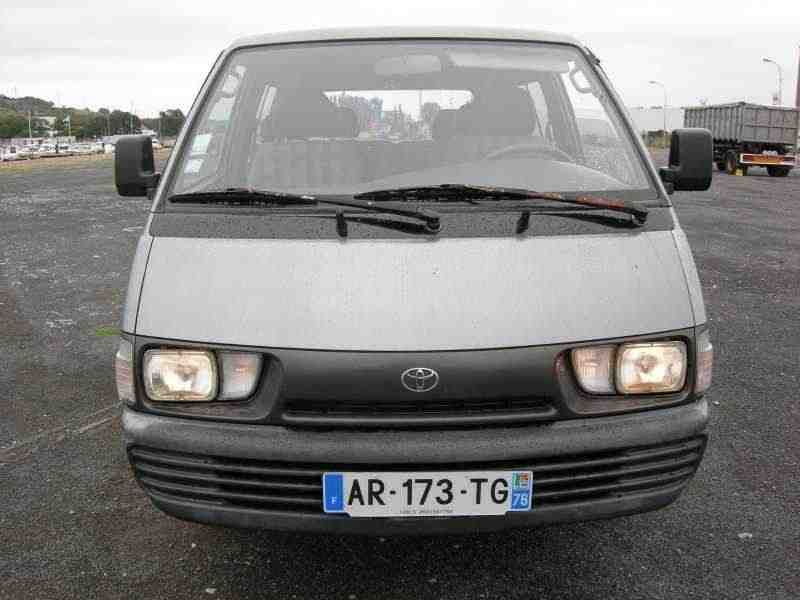 Toyota Lite Ace 4 поколение фургон 2.2 TD AT extra high roof 1993–1996