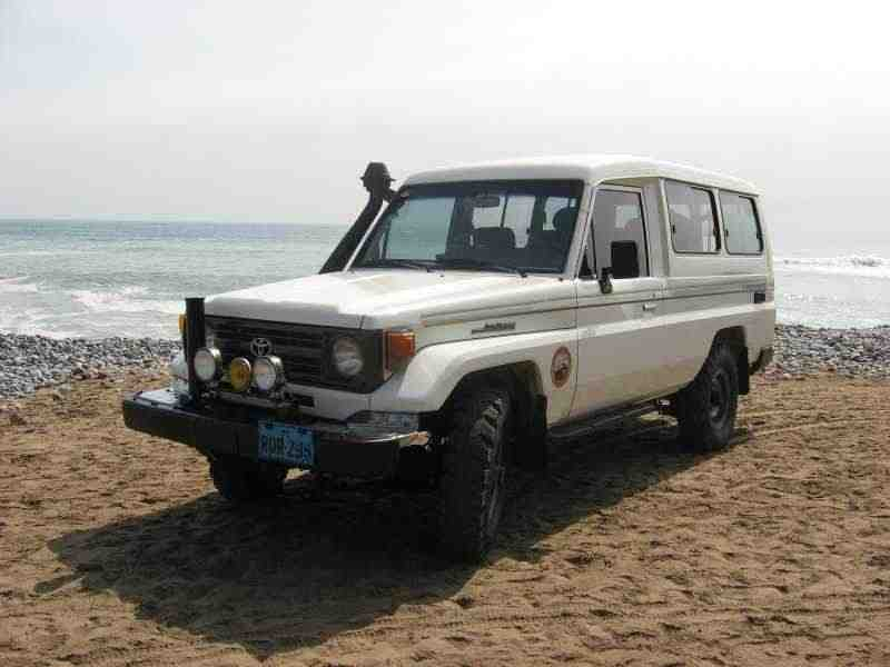 Toyota Land Cruiser J70 [рестайлинг] J78 внедорожник 3-дв. 4.2 D MT 1990–1999