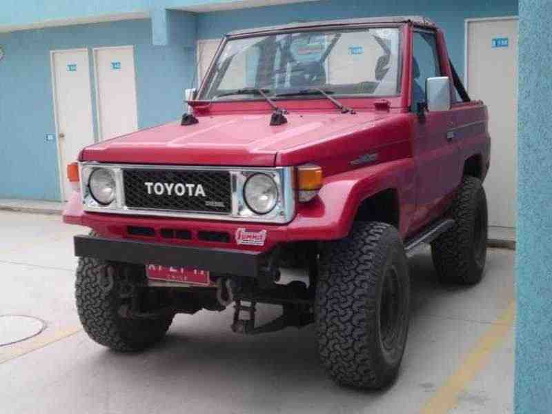 Toyota Land Cruiser J70BJ70 кабриолет 2-дв. 3.4 D MT 1985–1990