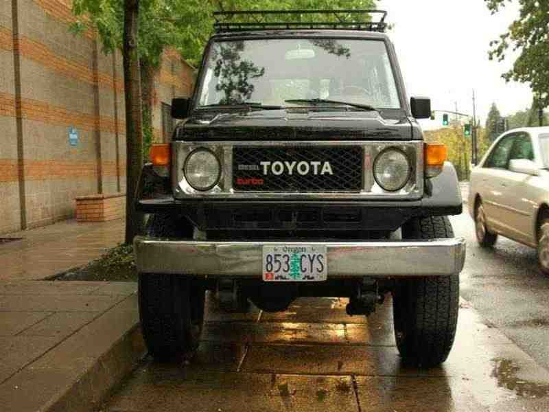 Toyota Land Cruiser J70BJ70 внедорожник 3-дв. 3.4 MT J70 1984–1985