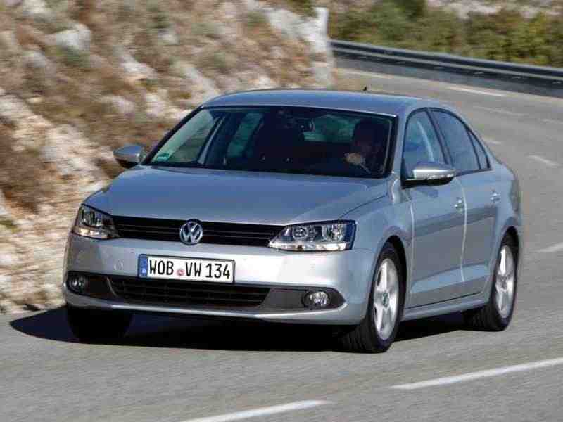 Volkswagen Jetta 6 поколение седан 1.6 MPI AT Highline 2010–н. в.