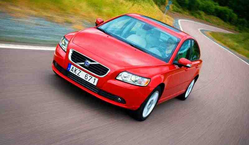 Volvo S40 2 поколение  [рестайлинг] седан 2.0 Powershift DSG Optima (2012) 2007–н. в.
